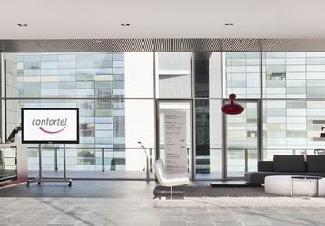 Un diseño moderno en todo el #hotel con un gran contraste entre claros y oscuros te esperan. http://www.ilunionatrium.com/
