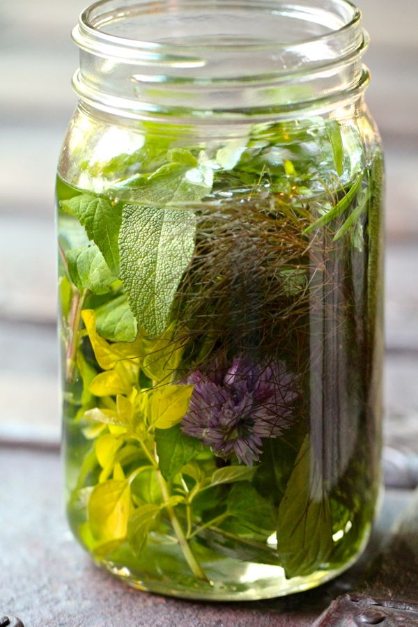 Love the idea of seasonal infusions >> Spring Amaro