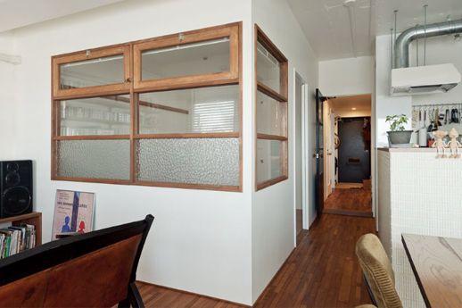 ・キッチンから子ども部屋への窓 ・室内窓のイメージ ・木枠はいらないかも ・3面に分かれている必要なし ・子ども部屋側からカーテンにする