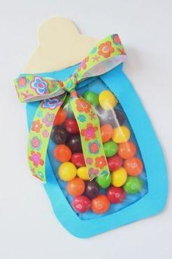 Biberón relleno de dulces para recuerdo de Baby Shower | Blog de BabyCenter