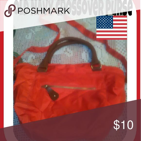 Old Navy Red Crossover Purse Can be used with or without strap , brand new totally cute! Old Navy Bags Crossbody Bags