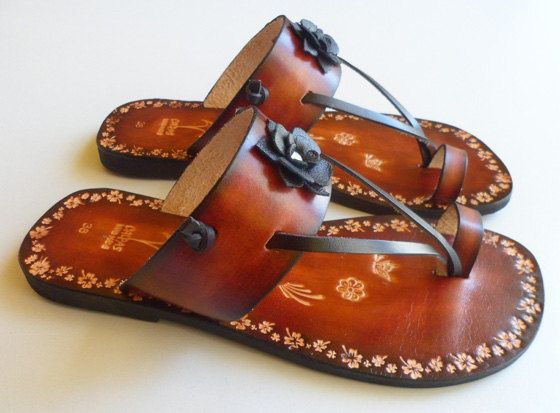 Beautiful Feminine Handpainted Leather Toe Ring Sandals by Calpas,