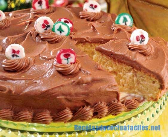 Envinado with chocolate frosting cake