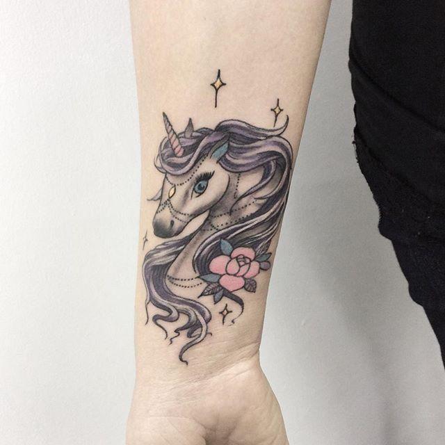 70 Tatuagens de Unicórnio (as fotos mais lindas!)