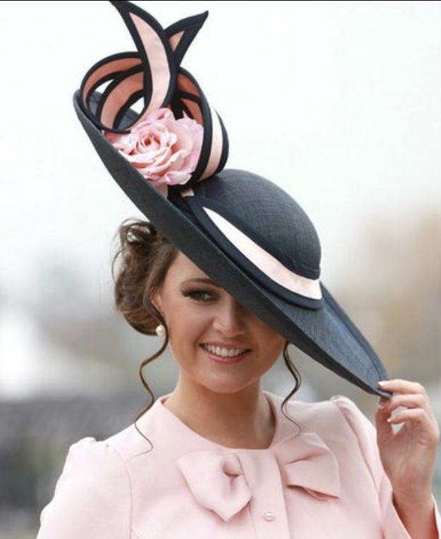 This Kentucky Derby outfit would stand out in Louisville in the spring, especially at the Oaks! Pink, pretty, classy and feminine.
