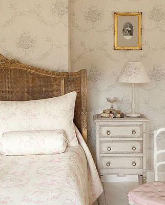 Letto In Stile Vintage su Pinterest  Camere da letto stile parigino ...