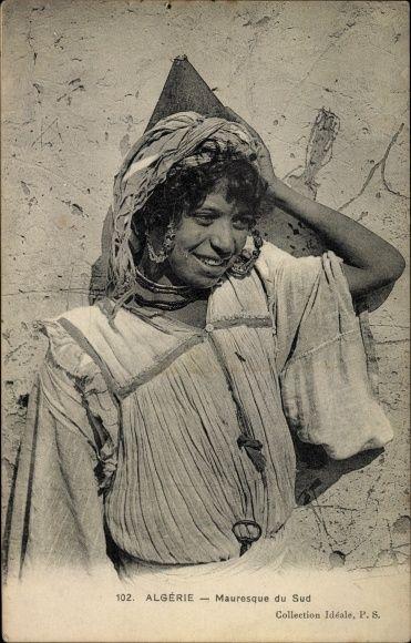 Postcard Algerien, Mauresque du Sud, portrait einer Araberin in Volkstracht, Maghreb