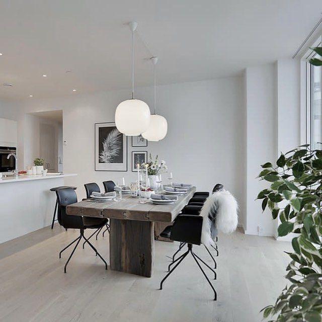 Primum Chairs in black leather #plankebord #diningroom #diningchairs #interiordesign #nordic