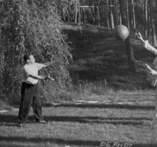 Lion and Marta Feuchtwanger playing catch, Berlin, 1932 :: Lion Feuchtwanger Papers, 1884-1958