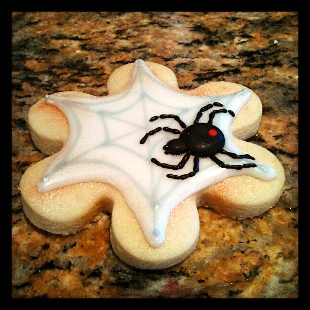 Spider Cookie inspired by SweetAmbs - Pink Sugar Cupcakes
