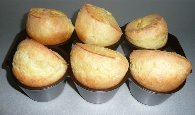 I think popovers will be my next food obsession! Popovers in my newly restored Griswold popover pan