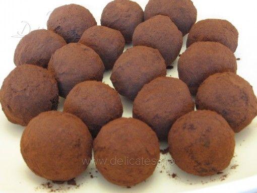 Trufe cu scorţişoară şi cacao