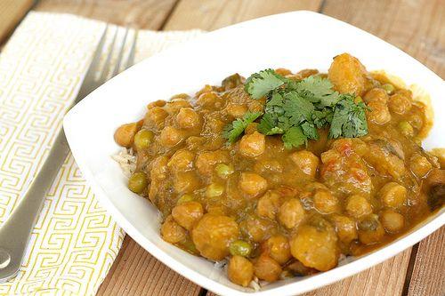Butternut Squash & Chickpea Coconut Curry (Crock Pot Recipe) #vegan