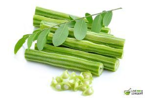 Did you know that the leaves of drumstick can cure about 300 diseases? While the one being high blood pressure. It has approximately 46 antioxidants and 90 essential nutrients. They fight against bone, eyes, nerves, and heart-related problems. You can consume drumstick leaves in different ways.