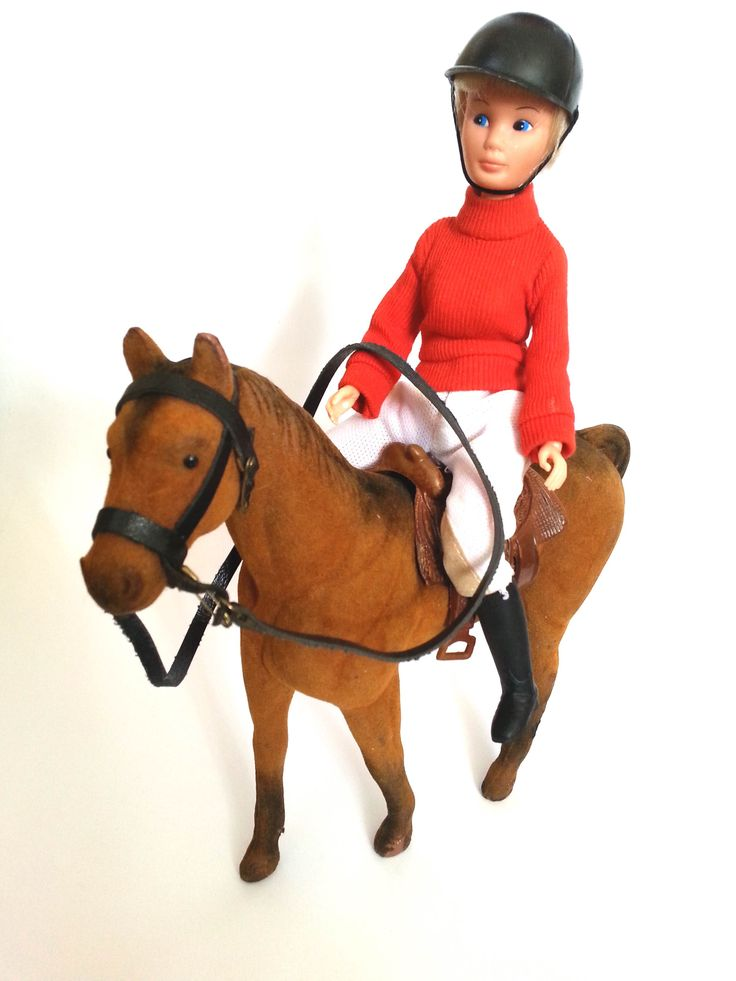 Vintage barbie, late 1970s with horse. Only stamp (doll) is Made in Hong Kong. Don't remember the name or brand. But it´s in excellent condition. For sale: both 40euro + postage. Molemmat yhteensä 40e,  plus postimaksu. Postimaksun suuruus vahvistetaan tilauksen yhteydessä. Menee alle 1 kg:n pakettina.