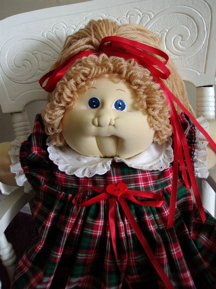 cabbage patch kids soft sculpture beige  blue 22 inch girl doll