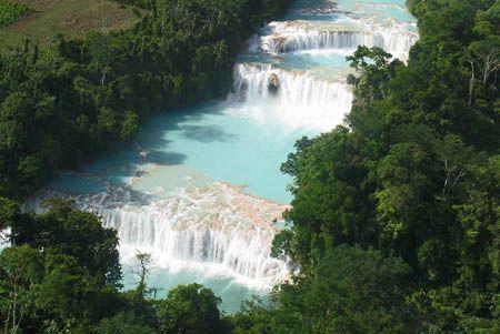 Cascadas de agua azul Chiapas, México