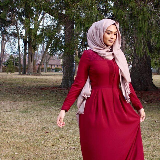 Love this romantic #Ootd. Hijab and Dress from @sanzaa_ltd
