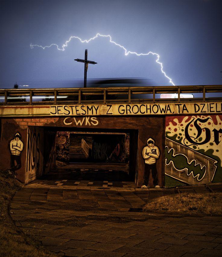 Warszawa. Przejście podziemne, burza i krzyż na Grochowie. #storm #thunder #warsaw #cross