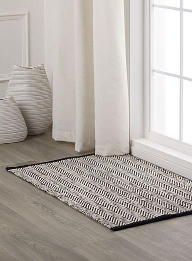 Le tapis texturé zigzag - Zigzag textured rug   Tendance néo-scandinave   SS2014   Simons