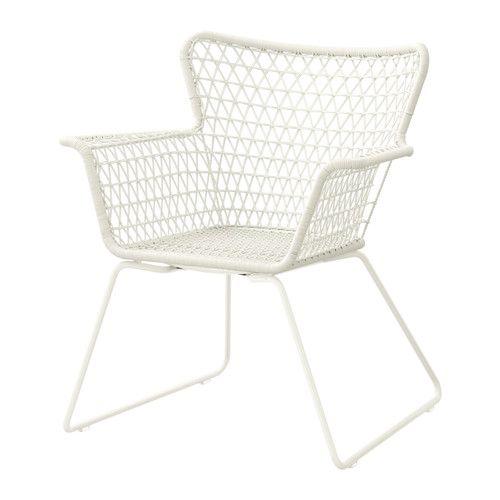 IKEA - HÖGSTEN, Chaise avec accoudoirs, extérieur, Plastique tressé à la main, imitation rotin. A le même aspect que le rotin naturel mais résiste à une utilisation à l'extérieur.Les matériaux de ce meuble d'extérieur ne nécessitent aucun entretien.Nettoyage facile - passer un chiffon humide.