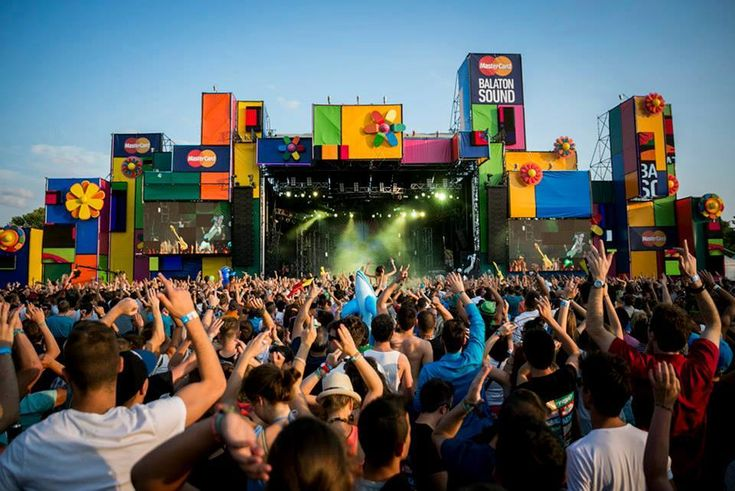 A list of the 30 best music festivals in Europe. From Tomorrowland, Glastonbury, Amsterda Dance Event, and many more! Nothing but the top festivals in Europe!