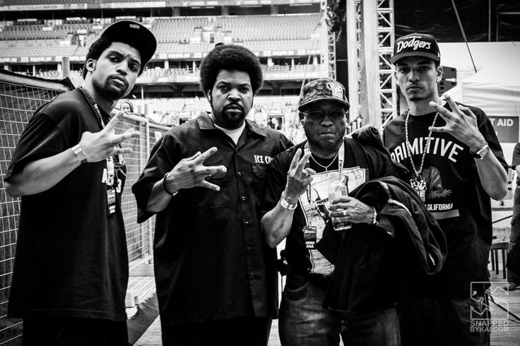 3 generations… Ice Cube with his father and sons. Backstage at Supafest in Sydney last year. #hiphop #og #concert
