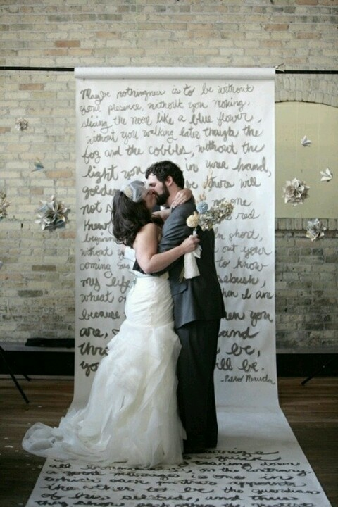 Unique Wedding Backdrop, uuuu maybe have guest write on it before we set up for pictures????