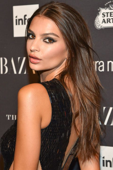 13 of the sexiest hairstyles that men love: Emily Ratajkowski's messy waves