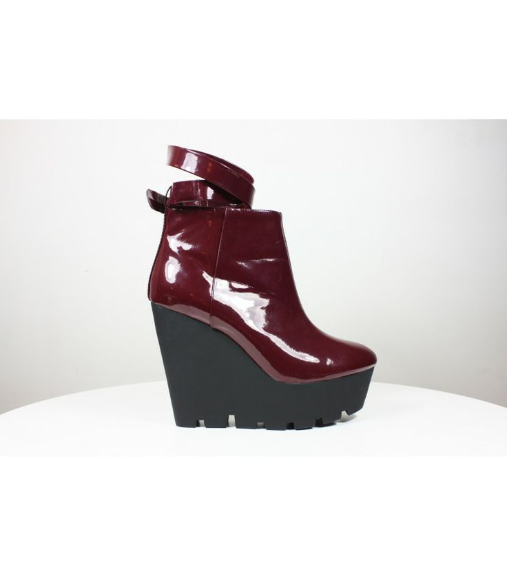 Jagged Edge Wedge Heels / 40 - WST.fi