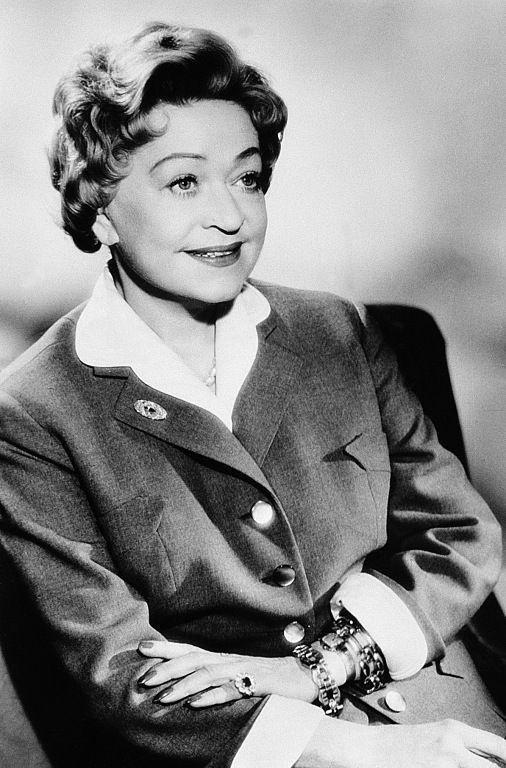 Grethe Weiser, (* 27. Februar 1903 in Hannover; † 2. Oktober 1970 in Bad Tölz), war eine deutsche Bühnen- und Filmschauspielerin.
