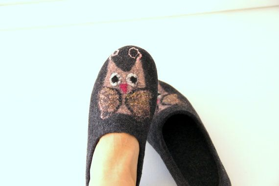 Women slippers with owls felted wool slippers grey