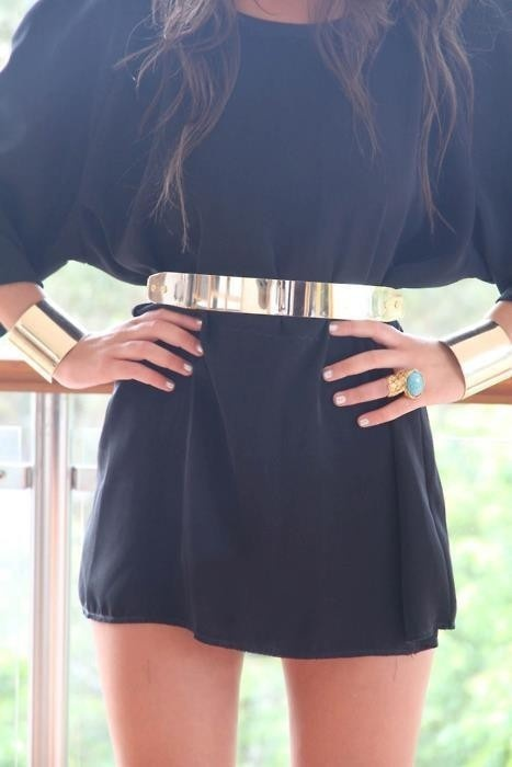 black dress with gold belt fashion