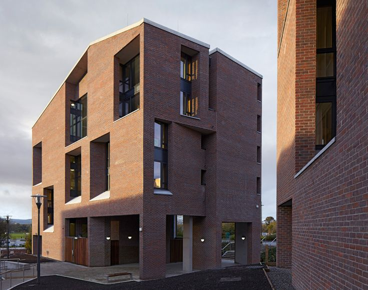 grafton architects: university of limerick medical school and dormitory