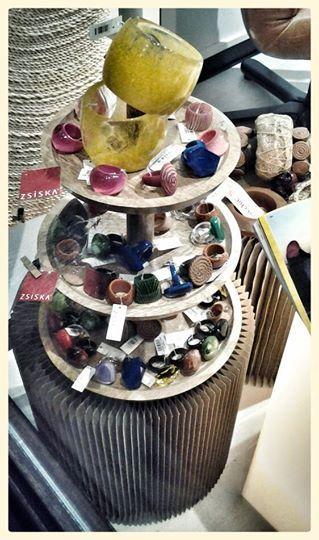 Quanti anelli, tantissimi, non bastano mai. Collezione ZSISKA.