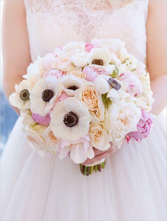 blue and pink las vegas wedding romantic bouquet flowers and las vegas weddings. Black Bedroom Furniture Sets. Home Design Ideas