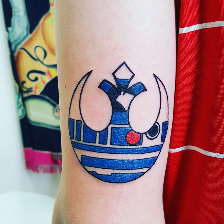Super happy with the way it came out! Star Wars rebel logo with R2-D2 inside of it, done by Ryun King at Ain't That Art in Murray, KY. - Imgur