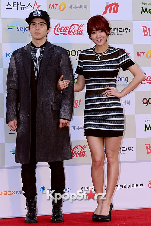 SISTAR's #Soyou and Mad Clown Attend The 3rd Gaon Chart KPOP Awards - Feb 12, 2014 [PHOTOS] More: http://www.kpopstarz.com/articles/79184/20140212/sistars-soyou-mad-clown-attend-3rd-gaon-chart-kpop-awards.htm
