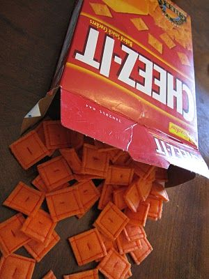 Aaaaahhhhh, so cute!!! I'm going to make some of these for my son because he can't have gluten anymore, but cheez its were some of his favorites :-) Shannon Makes Stuff: Felt Cheez-It Crackers