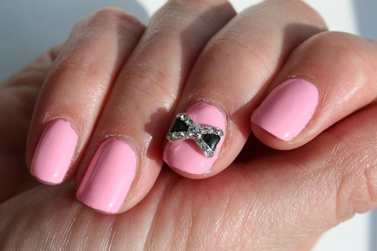 Black bow manicure jewel from www.nailcandi.co.za - The first re-usable nail art! Simply glue onto nailbed or embed in product (gel, gelpolish, acrylic or glaze.)  Order online