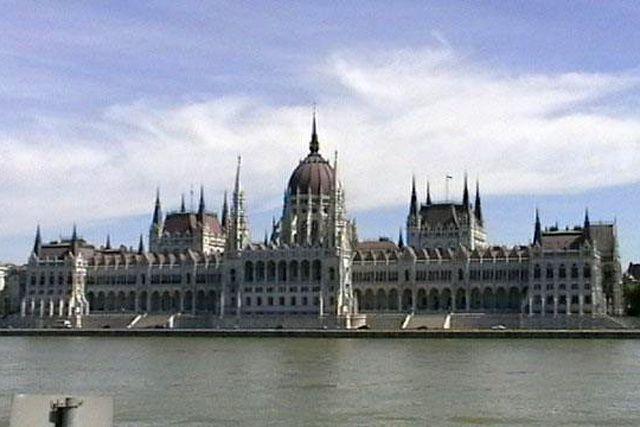 Jeux Olympiques — JO 2024 : Budapest déclare forfait Paris et Los Angeles restent les deux derniers candidats à l'organisation des Jeux Olympiques 2024 après le retrait de la candidature hongroise de Budapest. ICI Paris et Los Angeles restent les deux...
