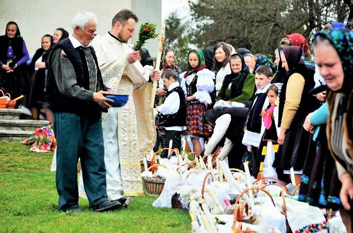 2016 Magical Easter in Maramures – Private Tour 6 Days - Touring Romania