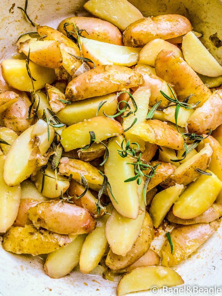 Жареный молодой картофель с чесноком и розмарином. Рецепт Джейми Оливера. Готовим за 30 мин. Как быстро накормить семью.
