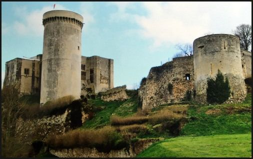 7 Awesome Historical Adventures in 5 Days - Exploring Northwestern France