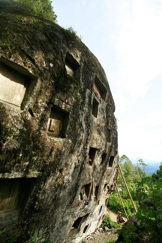 Best kept graves – In Toraja culture, the higher your grave,  the closer you are to the gods in Puya. Photo by Teguh Wicaksono.