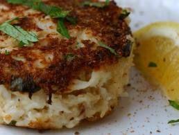 3.5 oz's crab (same as 100 grams) 1 garlic clove minced 1 Tblspoon garlic powder 1/2 tsp lemon juice 1/2 tsp sea salt 1/4 tsp pepper 1 tablespoon parsley *1 ...