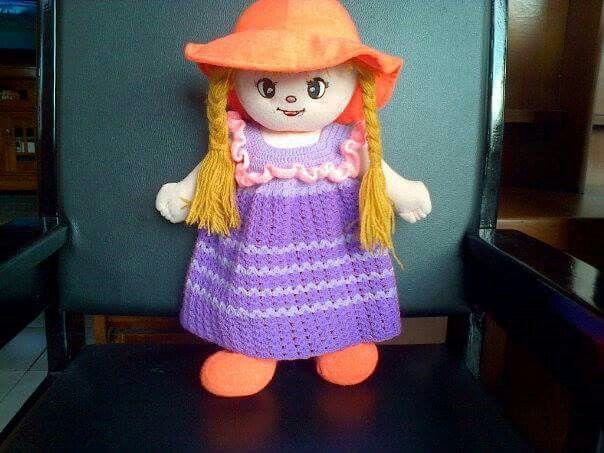 Baju boneka rajut