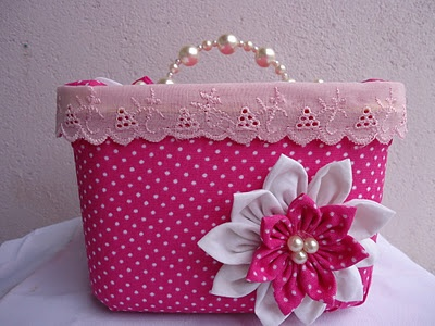 watch video tutorials on how to make beautiful boxes like this from empty ice cream containers, so spare those garbage