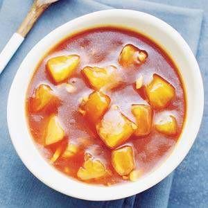 U kunt de Chinese zoetzure saus 1 dag van tevoren bereiden. Verwarm de saus vlak voor serveren in een steelpan al roerend op laag vuur in 5 min