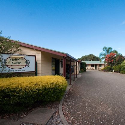 Self Contained Accommodation is an ideal Family Accommodation in Parndana at a reasonable rate.